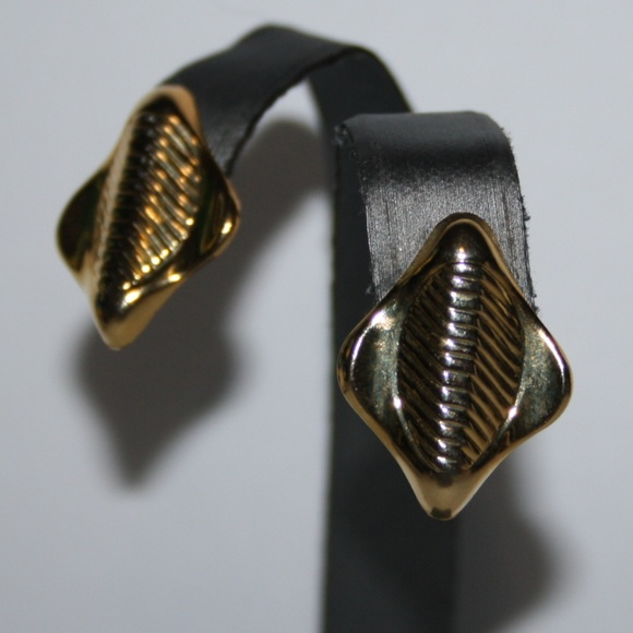 Vintage gold post earrings